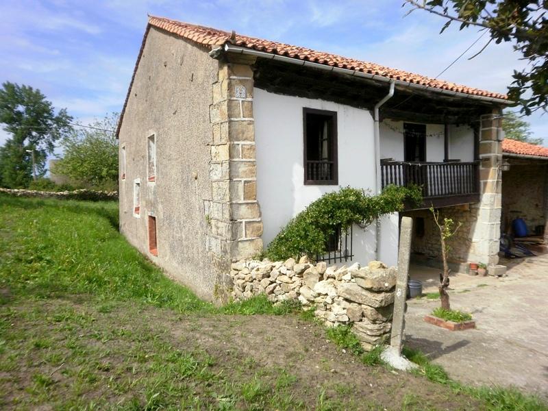 Casa monta esa de 365 m2 y terreno urbano de m2 en vispieres santillana del mar cantabria - Casa montanesa ...