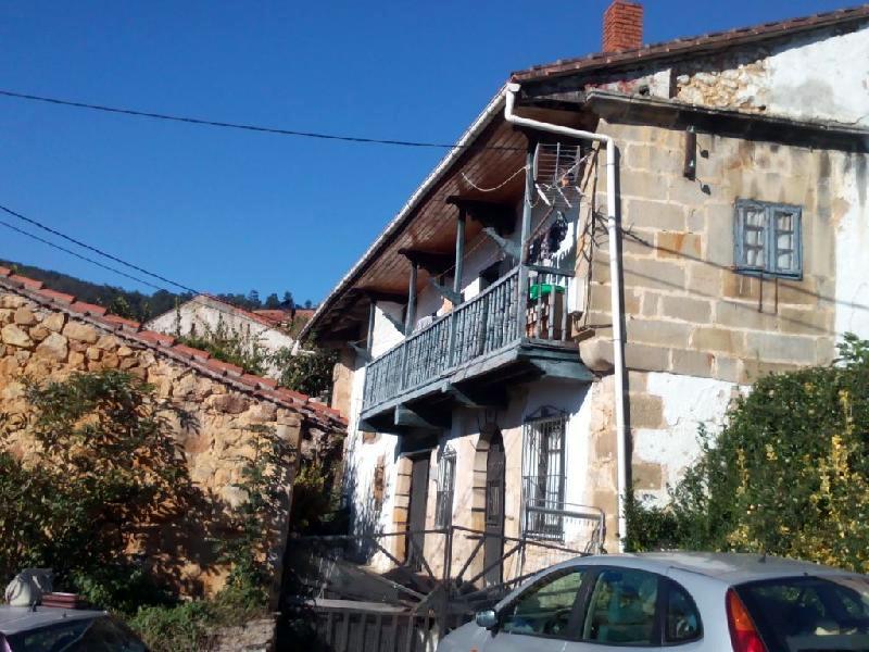Casa de piedra de 304 m2 en hijas puente viesgo cantabria - Casa rural puente viesgo ...