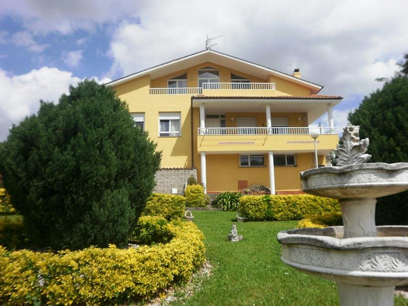 Casa de 200 m2 y jardin de m2 en las presillas puente viesgo cantabria - Casa rural puente viesgo ...