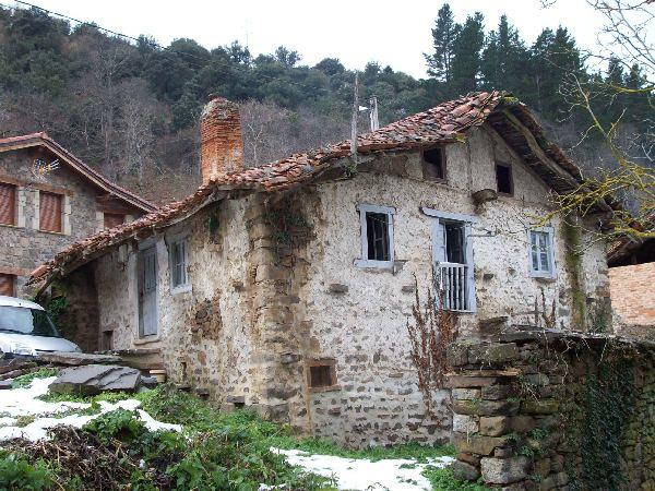 Casa de piedra independiente con jard n de unos 350m2 - Casa rural en rupit i pruit ...