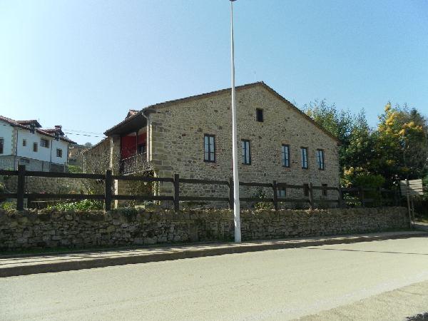 Posada rural funcionando en ruise ada comillas for Inmobiliaria 3 casas