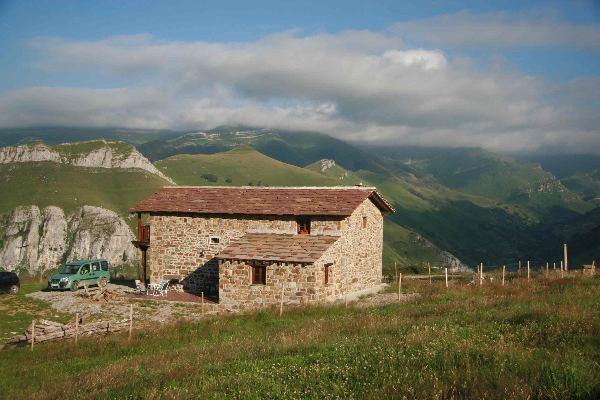 Casa caba a de piedra de 220 m2 en finca de m2 - Venta de casas rurales en cantabria ...