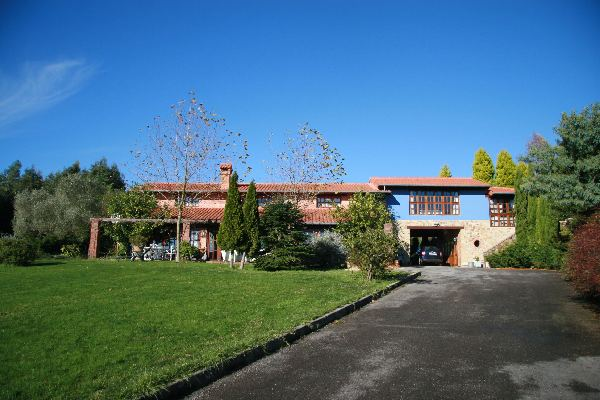 Casa singular en guemes - Guemes cantabria ...