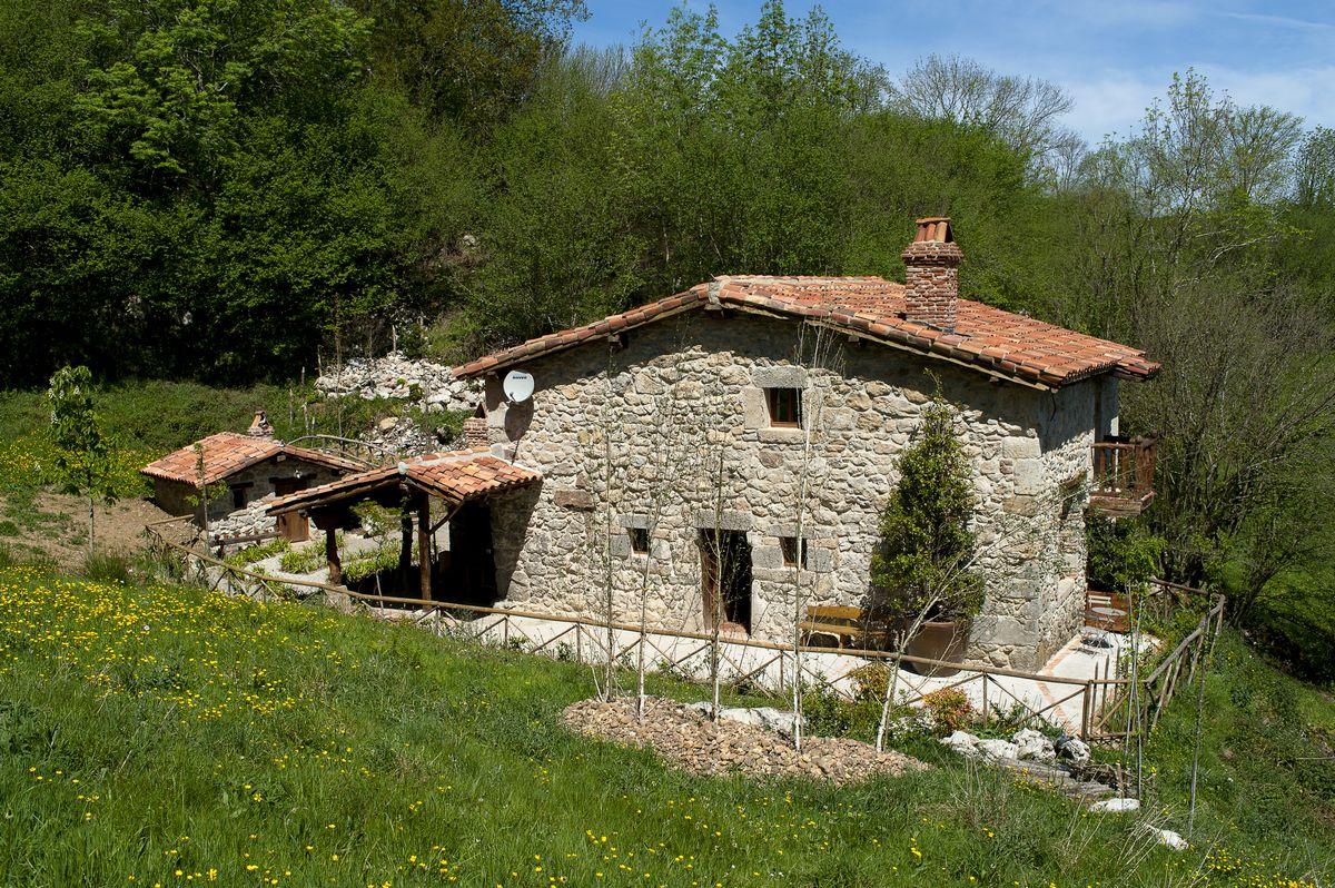 Casa r stica y singular en un paraje natural - Casa rustica cantabria ...